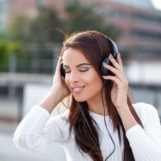 Плейлист романтика: 5 лучших песен для чувственных натур