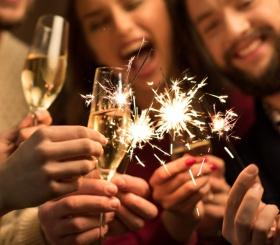 Эксперты подсчитали, сколько россияне тратят на новогодний стол