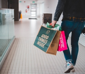Почему мужчины не любят ходить на шопинг?