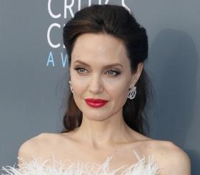 В честь дня рождения Анджелины Джоли: 5 лучших фильмов с ее участием