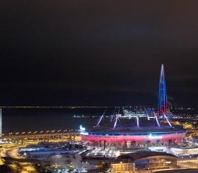 Современные технологии, свет и музыка: уникальное шоу на фасаде стадиона «Газпром Арена» и «Лахта Центр»