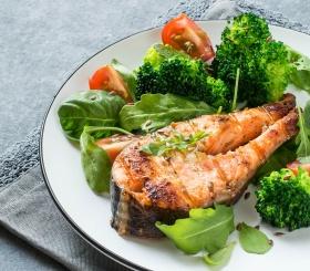 Рецепт дня: сёмга запеченная с брокколи в сливках