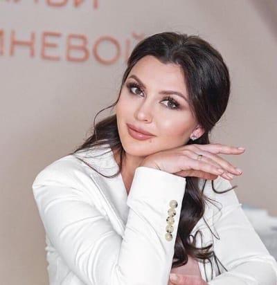 Наталья Кремнева, Врач-дерматолог, косметолог, главный врач клиники эстетической медицины