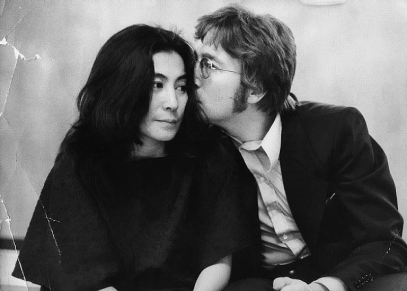 состоит нескольких джон леннон фото с женой них